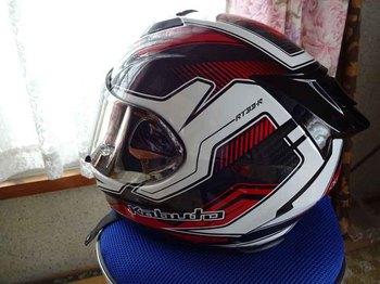 Newヘルメット2.jpg